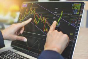 موفقیت در بورس امکانپذیر است؟ چطور در بورس موفق شوم؟ - stock-training